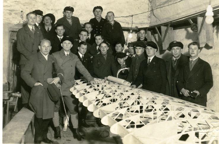 01-dlv-baut-schulgleiter-ca-1933
