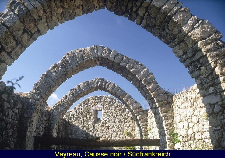 Ruine eines Schafsstalls, Causse du Larzac, Südfrankreich