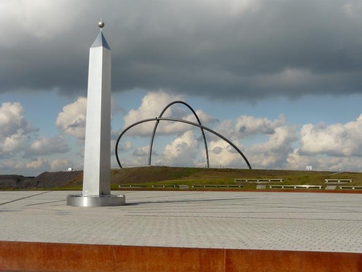 Im Hintergrund das Horizont-Observatorium