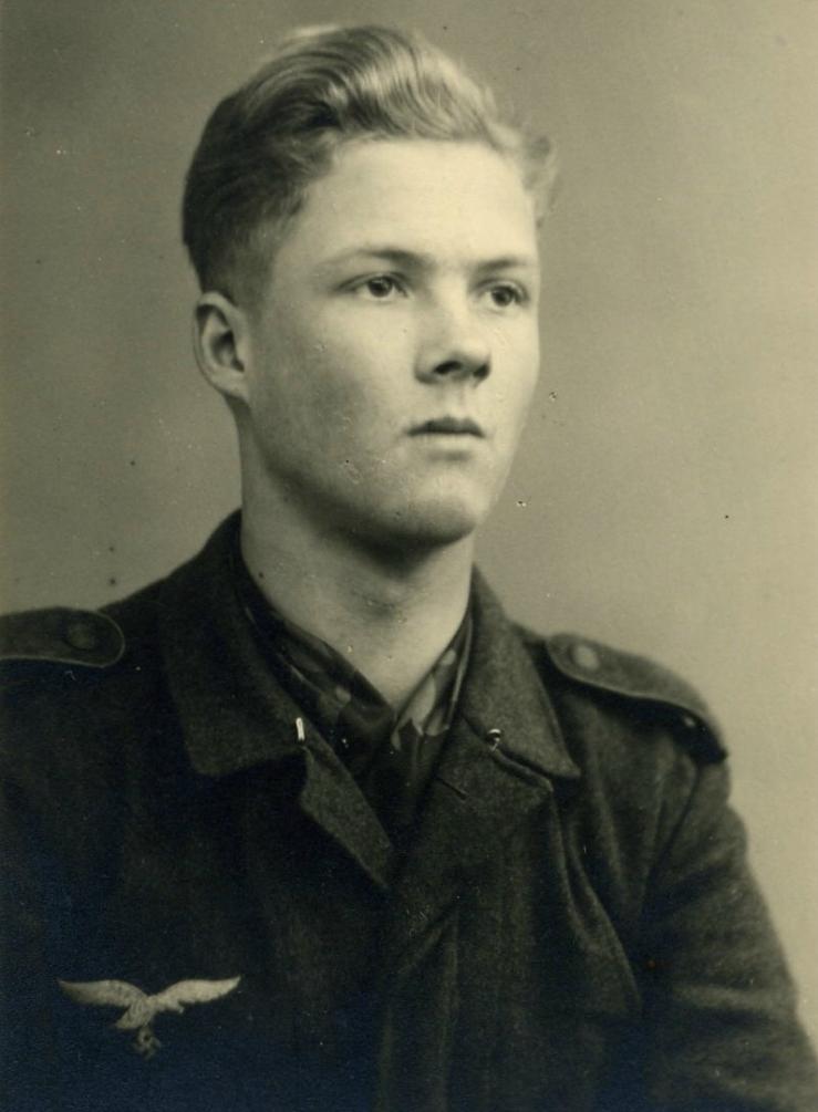 Das einzige Foto, auf dem ich als Soldat abgebildet bin, Herbst 1944