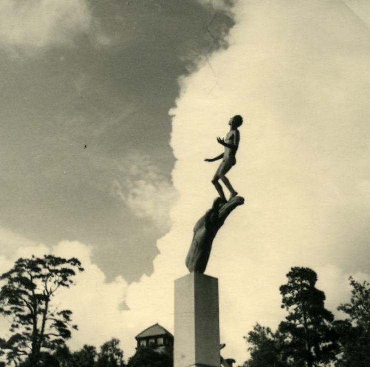 02.Schwed. Skulptur in St0004