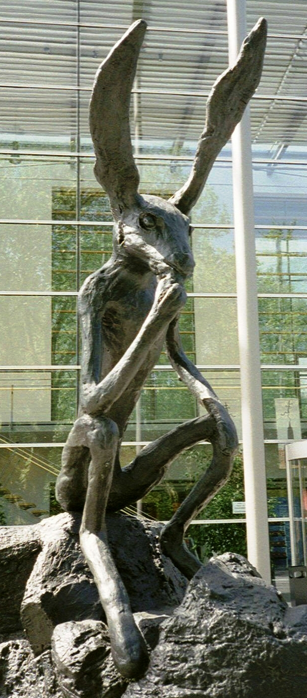 33.Barry Flanagan Thinker on Rock. Kunsthalle RE 2005